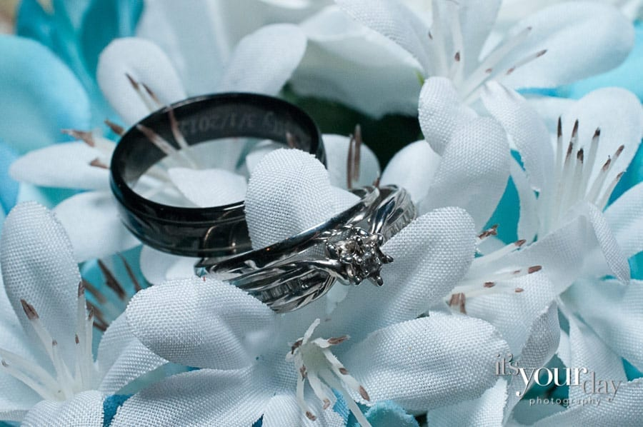 wedding-photography-cartersville-detail shot - rings on bouquet